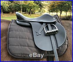 Easytrek Treeless 2019 model Black Leather all purpose saddle, traditional look