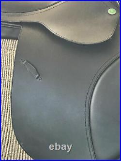 La Esmaralda All Purpose English Horse Saddle Natalie 17 inch Black Brand New